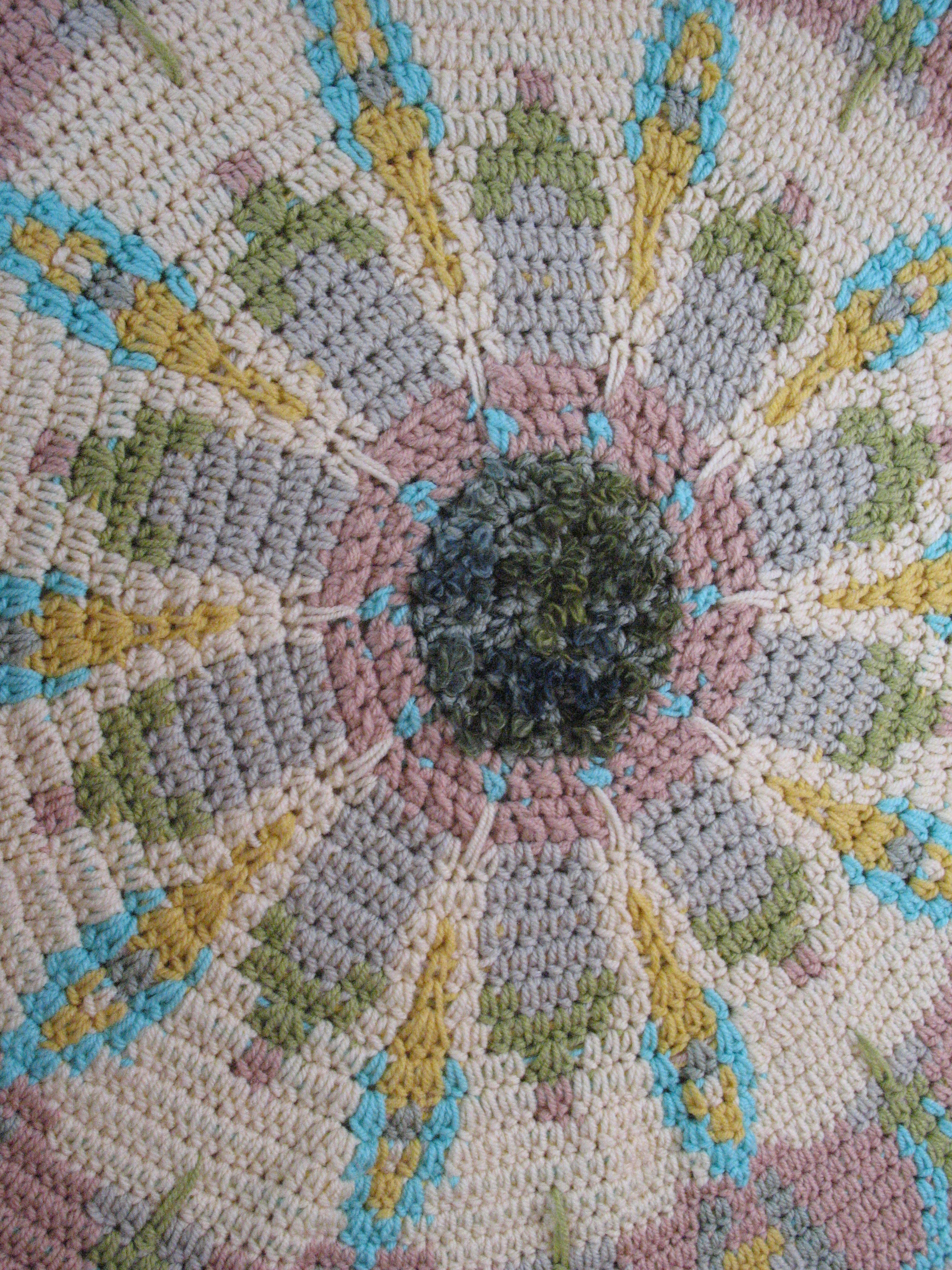Tapestry crocheted rug | Teppich-Art